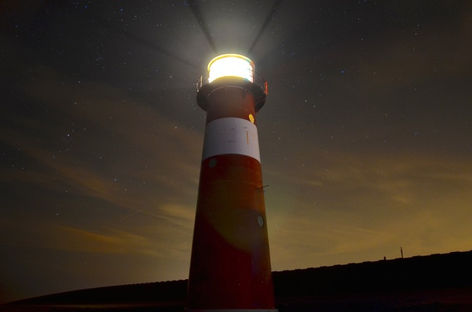 lighthouse-1031436_1280