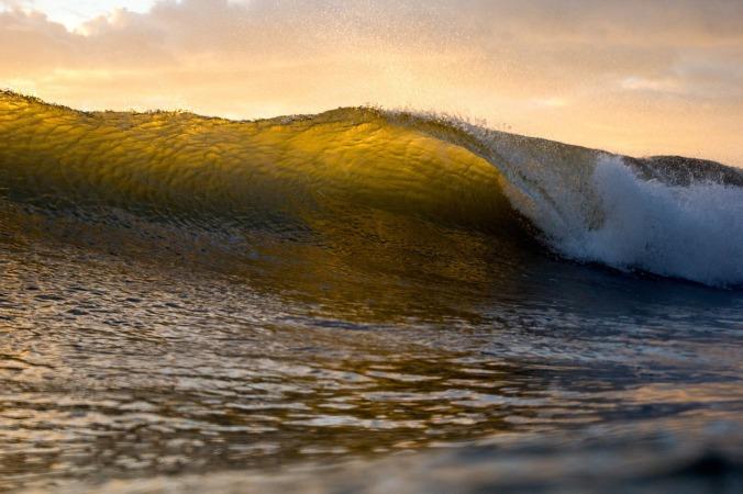 wave-1031216_1280