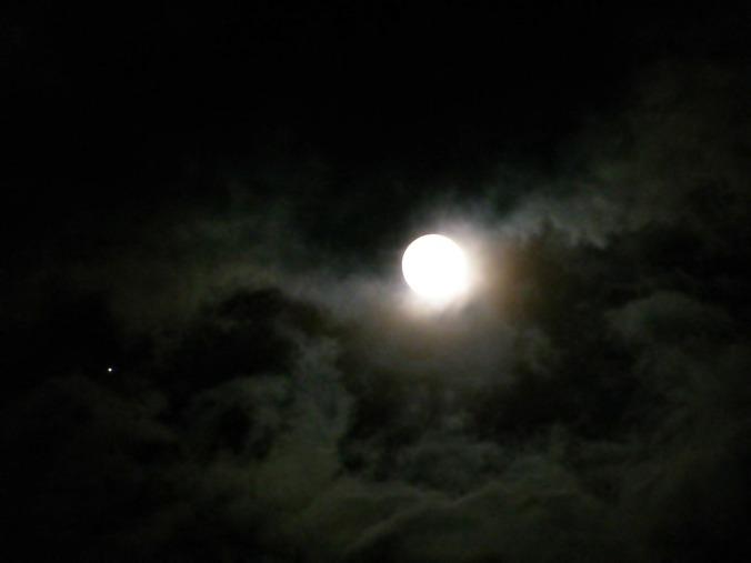 moon-207970_1280