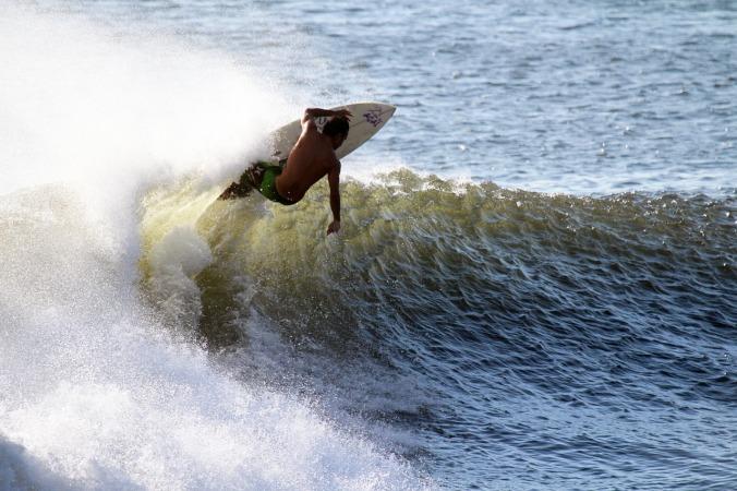 surfer-731482_1280