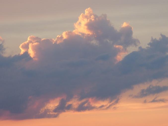 clouds-1329578_1280