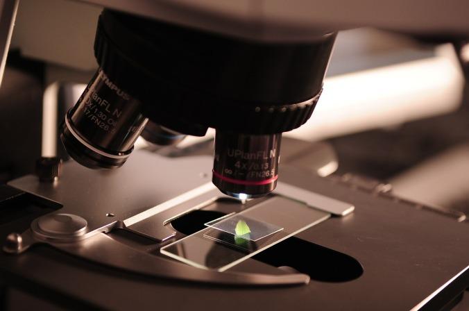 microscope-385364_1280