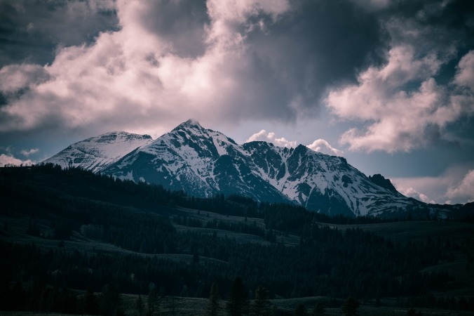 rocky-mountains-1082272_1280