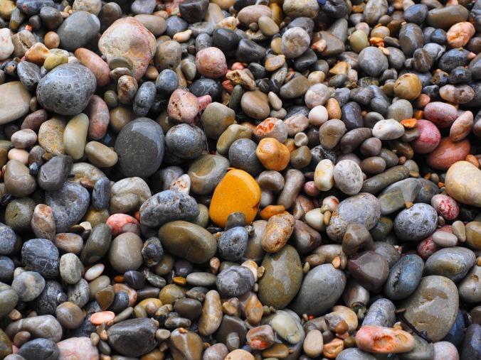 pebbles-1090506_1280