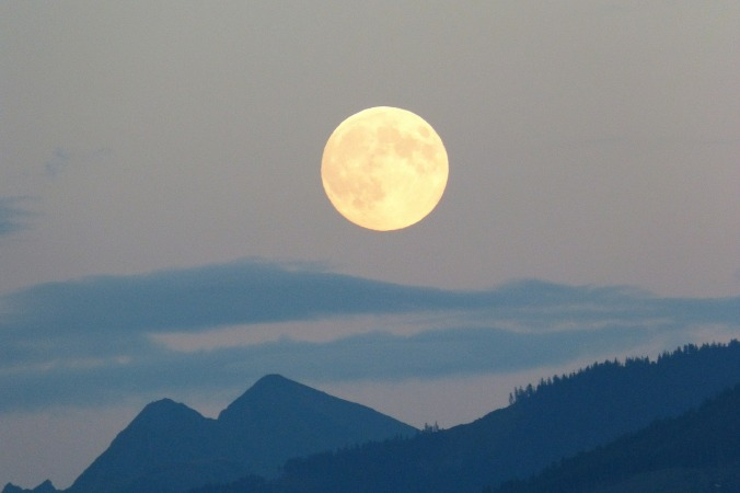full-moon-460313_1280