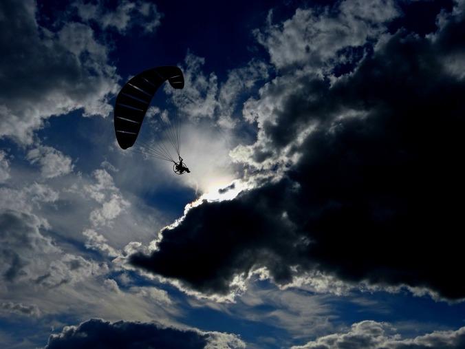paraglider-1956168_1280