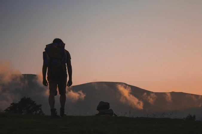 hiking-691846_1280