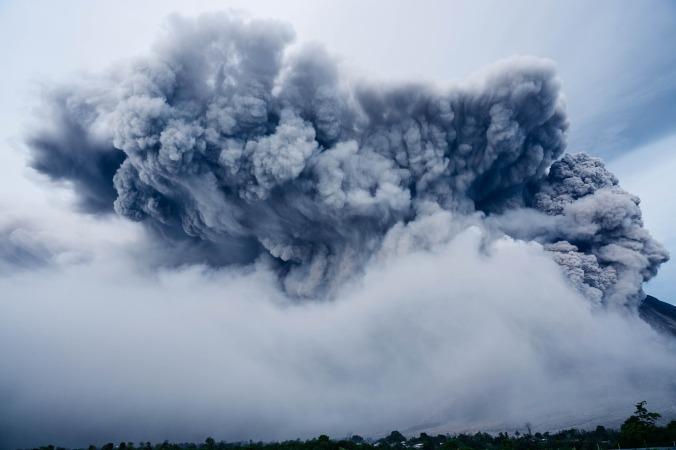 ash-cloud-1867439_1920