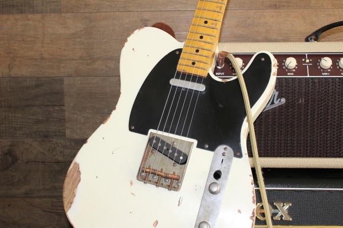 guitar-1858123_1920