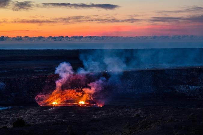 volcano-1803852_1920